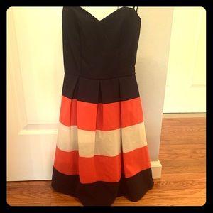 Excellent condition strapless dress. Size 1/2